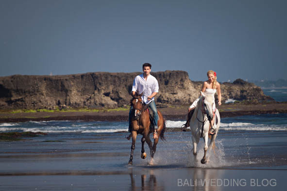 Bali pre wedding with horses